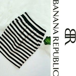 Banana Republic Striped Pencil Skirt w/ Pockets
